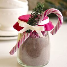 You cannot go wrong with homemade hot chocolate mix to give away to friends and family this Christmas. Easy and cute.