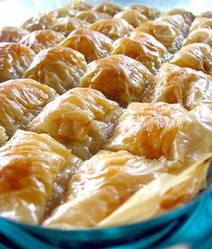 BAKLAVA WITH WALNUT I don't need to say anything about baklava, it speaks itself :). Don't you agree? fillo do. Turkish Recipes, Greek Recipes, Ethnic Recipes, Morrocan Food, Turkish Kitchen, Greek Dishes, Best Food Ever, Bread And Pastries, Middle Eastern Recipes