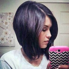 Stylish Inverted Bob Hairstyles of All Time? We have gathered the best images of inverted bob hairstyle, check them out and be inspired by these looks! Reverse Bob Haircut, Long Bob Haircut With Bangs, Bob Hairstyles With Bangs, Short Bangs, Layered Hairstyles, Black Hairstyles, Short Inverted Bob Haircuts, Hair Dos, Short Hair