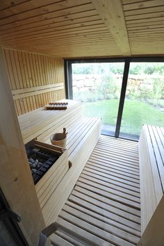 Detox and cleanse your system in the sauna at Finisterra Spa at Martinhal. Taking a sauna before a massage is hugely beneficial. Enjoy the view outside as you're relaxing in the sauna. Home Spa Room, Spa Rooms, Sauna Steam Room, Sauna Room, Modern Saunas, Sauna Wellness, Sauna Seca, Luxury Family Holidays, Sauna House