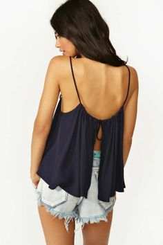 Mosaic Top - Navy: love this for a day walking around a beach town