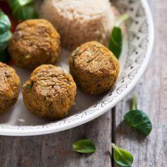 Na blogu pojawił się przepis na klopsy z soczewicy i warzyw. Chodźcie po przepis. Link w opisie profilu. / Lentil & vegetables balls #plantbased #vegan #healthyfood #ammniam #ammniamblog #prostoizdrowo #pysznieizdrowo #prpstoipysznie#foodporn #roslinniejemy #zamiastkotleta #foodbloger #foodphotography