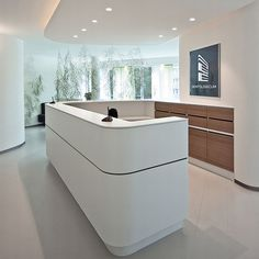 Office Workspace Elegant and extravagant – reception areas of a dental clinic in Hamburg Dental Reception, Modern Reception Desk, Reception Desk Design, Reception Areas, Dental Office Design, Office Interior Design, Office Interiors, Clinic Design, Healthcare Design