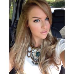 Foxy Locks Superior 230g set in Latte Blonde This is the color extensions I'm getting!!!!!