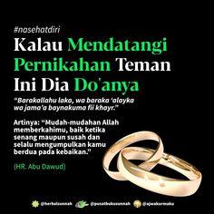 "Open Spam Like Free 1 BUKU PBS di Instagram ""Mudah2an Allah Ta'ala berkahi keluarga antum yg telah like dan komen Aamiin.. . . [Kalau Mendatangi Pernikahan Teman Ini Dia Do'anya]…"" Muslim Religion, Islam Muslim, Doa Islam, Islam Quran, Islamic Love Quotes, Muslim Quotes, Words Quotes, Me Quotes, Islam Marriage"