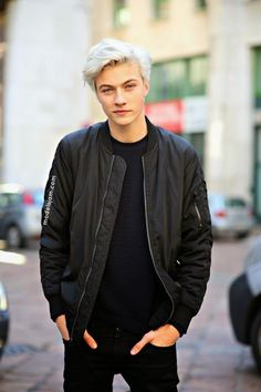 "stylebythemodels: "" Epitome of GORGEOUS. Male model, Lucky Blue Smith, at the Milan Men's Fashion Week A/W 2015 shows. Lucky Blue Smith, White Hair, Blue Hair, Look Man, Model Street Style, Teen Vogue, Cute Guys, Pretty Boys, Sexy Men"