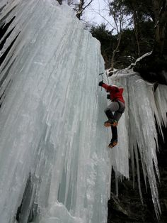 Beginner Tips for Ice Climbing -Contributed by Katie Levy,