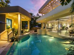 Spotlight Home's virtual tour for: Kahala Avenue Prestige located in Honolulu, HI. View this breathtaking and elegant real estate photography, motion photo tour or cinematic twilight tour online.