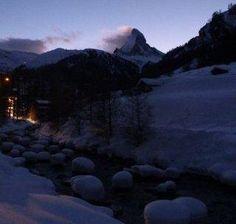 Zermatt Snow and Skiing Conditions: Mountain Exposure Zermatt, Skiing, Snow, Mountains, Nature, Travel, Ski, Naturaleza, Viajes