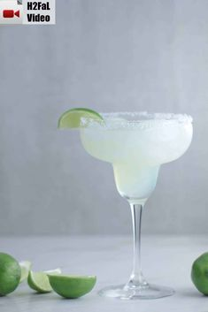 This Mama's Classic Margaritas recipe is about as authentic and as perfect as you'll find. The flavors blend beautifully and the taste is spot on. Coconut Margarita, Margarita Recipes, Drinks Alcohol Recipes, Alcoholic Drinks, Beverages, Cioppino Recipe, Classic Margarita Recipe, Margarita On The Rocks, Cocktail Drinks