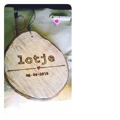 Geboortebord voor een kleine meid # boomstamschijf # baby # birth # special # handmade # uniek # lief # als-nieuw.com #