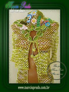 Blusa com capuz verde