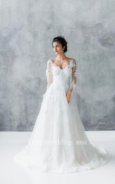 Long Sleeve Tulle Lace Weddig Dress With Beading
