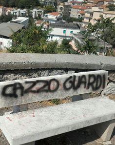 scrittosulmuro:  San Lucido, Calabria   la panchina di Ibra