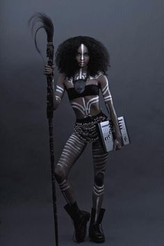 african tribal body paint designs -by unknown artist. Love this Total Look. duper cool tribal -but she is carrying a laptop? a DJ mixer? African Beauty, African Art, African Fashion, African Tribal Makeup, Tribal Fashion, Tribal Body Paint, Art Africain, Afro Punk, Black Women Art