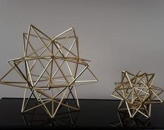 Hanging Centerpiece, Star Centerpieces, Star Decorations, Small Christmas Trees, Black Christmas, Christmas Star, Crystal Drawing, Geometric Sculpture, Geometric Star