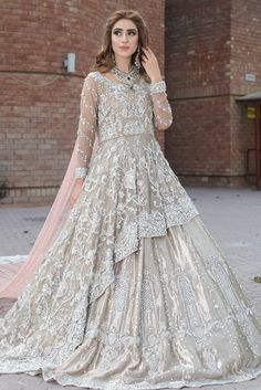 Pakistani Bridal Dresses Online, Pakistani Wedding Outfits, Pakistani Bridal Wear, Pakistani Dress Design, Bridal Outfits, Bridal Lehenga, Indian Bridal, Bridal Gowns, Pakistani Suits