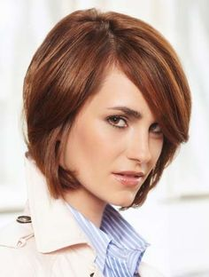 Medium/shortish hair, I like the color and style