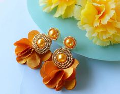 Gold Circle Beaded Floral Rhinestone Earrings - Lux Store DR