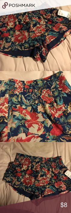 Floral shorts Floral shorts from forever 21! Size large. 100% polyester Forever 21 Shorts