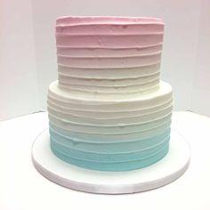 Aqua to Pink Ombre – birthdaycakeideas Blue Birthday Cakes, Mermaid Birthday Cakes, Birthday Cakes For Teens, Mermaid Cakes, Aqua Cake, Pink Ombre Cake, Purple Cakes, Teen Cakes, Girl Cakes