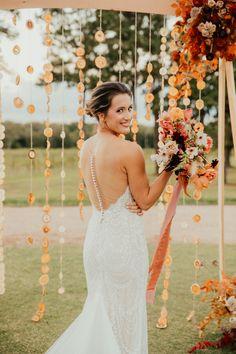 A Retro Harvest Sunset Shoot with Citrus Details Galore! | The Perfect Palette