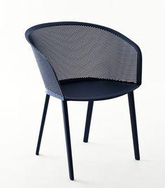 """Sillería """"Stampa"""" diseñada por los hermanos Bouroullec para la firma KETTAL."""