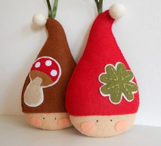 PDF pattern - Red felt elf with four-leaf clover. Christmas decoration pattern. $6.00, via Etsy.