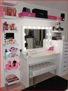 Teen Bedroom Designs, Bedroom Decor For Teen Girls, Teen Room Decor, Room Ideas Bedroom, Beauty Room Decor, Makeup Room Decor, Makeup Rooms, Vanity Room, Cute Room Decor