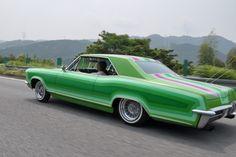 1965 Buick Riviera lowrider