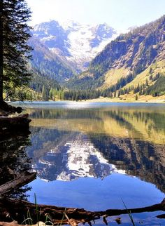 Traunsee lake, Salzkammergut, Austria <3 i love Austria