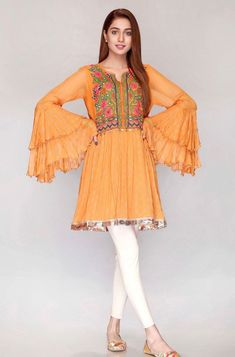 Best Trendy Outfits Part 22 Pakistani Fashion Casual, Pakistani Dresses Casual, Pakistani Dress Design, Indian Fashion, Pakistani Bridal, Korean Fashion, Stylish Dresses For Girls, Stylish Dress Designs, Simple Dresses