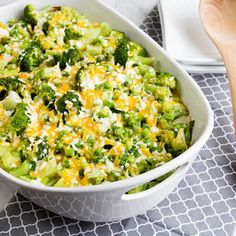 It can be hard to count your calories all day long, and it's discouraging tolearn thatyour earlier meals may not have left a whole lot of wiggle room for your dinner. Luckily, we have 40 recipes that will all make for delicious, filling family meals under 400 calories per serving! Cheesy Twice-Baked Potatoes and Broccoli Casserole:Your family will love this delicious casserole full of cheesy potatoes and broccoli. It's only 240 calories per serving and will have your taste buds singing…