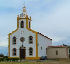 Igreja Matriz de Flor da Rosa, no concelho do Crato, região do Alentejo, Portugal.  Fotografia: Filipe Rocha.