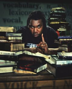 "(Past) 'KRS-One is an acronym for ""Knowledge Reigns Supreme Over Nearly Everyone"". KRS-One is a significant figure in the hip hop community and is often referenced in works by other hip hop artists and critics as being the 'essence' of an MC and one of th Hip Hop And R&b, Love N Hip Hop, Hip Hop Rap, Hip Hop Artists, Music Artists, Boogie Down Productions, Krs One, Hip Hop Classics, Arte Hip Hop"