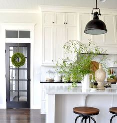 82 Awesome White Kitchen Cabinet Design Ideas