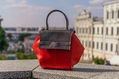 Fashion Handbags, Fashion Bags, Leather Shoulder Bag, Leather Bag, Photo Bag, Classic Handbags, New Bag, Sister Gifts, Messenger Bag