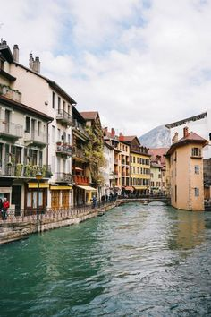 The Place That Stole My Heart Twice: Annecy, France - Bon Traveler