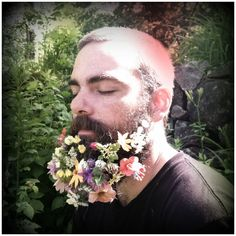 Trendy flowers in hair male Boquette Wedding, Wedding Hair Flowers, Flowers In Hair, Moustache, Beard Decorations, Glitter Beards, Glitter Tattoos, Flower Beard, Glitter Converse