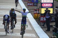 Roubaix: Borut Božič in Marko Kump bežala, Cancellara padel in Hayman do zmage!
