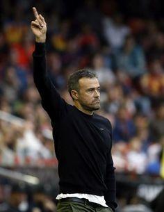 El entrenador del FC Barcelona, Luis Enrique, durante el partido frente al Valencia CF.