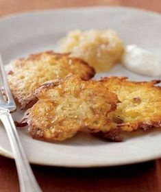 Latkes (Aardappelkoekjes, Volgens de joodse kalender een typisch chanoeka-gerecht, maar in NYC alle dagen op de kaart van een groeiend aantal restaurants en foodtrucks, en in steeds luxere uitvoeringen.