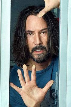 Keanu Reeves lucky man who do not how to love himself. He is wishing his loved by of people to see him happy. He should appreciates all the loved fans give him. Keanu Reeves, Keanu Charles Reeves, Gorgeous Body, Beautiful Men, Chester Bennington, Alex Winter, The Boy Next Door, Face The Music, Adventure Film
