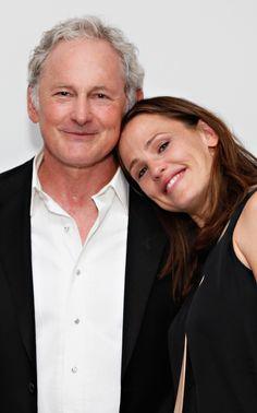 """Jennifer Garner's Tear-Filled """"Alias"""" Reunion With Victor Garber"""
