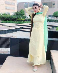 Women Dresses, Attracting look Pakistani Dress Design, Pakistani Dresses, Indian Dresses, Indian Outfits, Stylish Dresses, Simple Dresses, Fashion Dresses, Stylish Suit, Embroidery Suits Punjabi