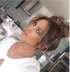 These are some of the best going out hairstyles you need to try!<br> These are the best going out hairstyles for all hair types! No matter if you have long, short, or medium hair lengths these easy hairstyles are for you! Going Out Hairstyles, Easy Hairstyles, Hairstyle Ideas, Side Fringe Hairstyles, Long Hairstyles With Bangs, Long Haircuts, Side Part Hairstyles, Stylish Hairstyles, Woman Hairstyles