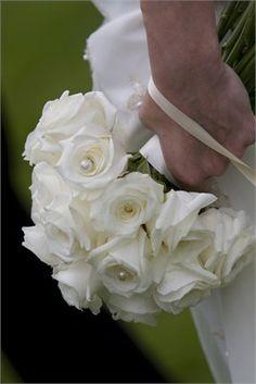 bridal flowers - Kingscliff Hotel