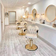 Home Hair Salons, Hair Salon Interior, Spa Interior, Showroom Interior Design, Home Salon, Beauty Room Salon, Beauty Room Decor, Makeup Studio Decor, Design Salon