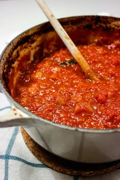 Ketchup, Pizza, Chili, Salsa, Food And Drink, Soup, Dressing, Dinner, Baking