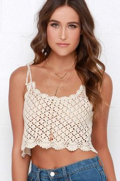 Light, airy, and oh-so-cute are definitely attributes of the Billabong Dream Lover Cream Crochet Crop Top! Crochet pattern leaves sheer cutouts along the cropped bodice. Moda Crochet, Crochet Bra, Crochet Shirt, Crochet Woman, Cotton Crochet, Crochet Clothes, Crochet Pattern, Crochet Tank Tops, Crochet Summer Tops